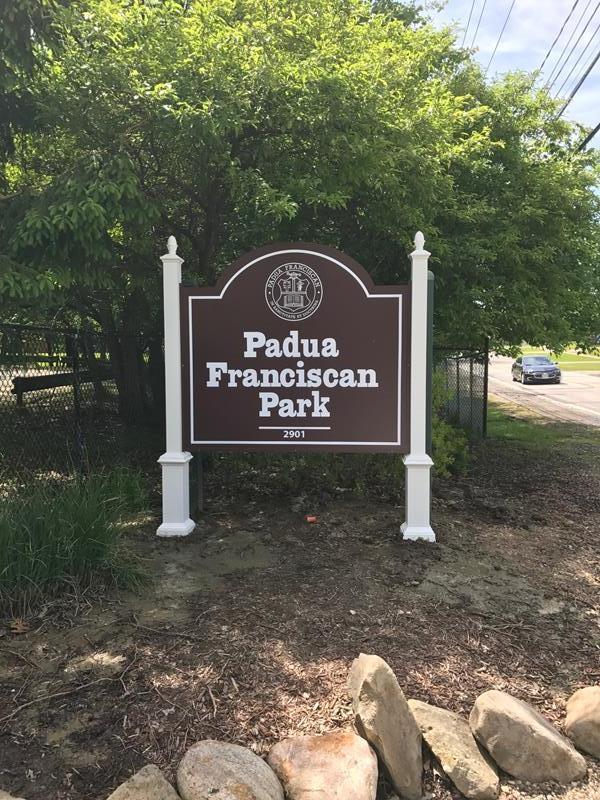 Pole Sign Parma Ohio