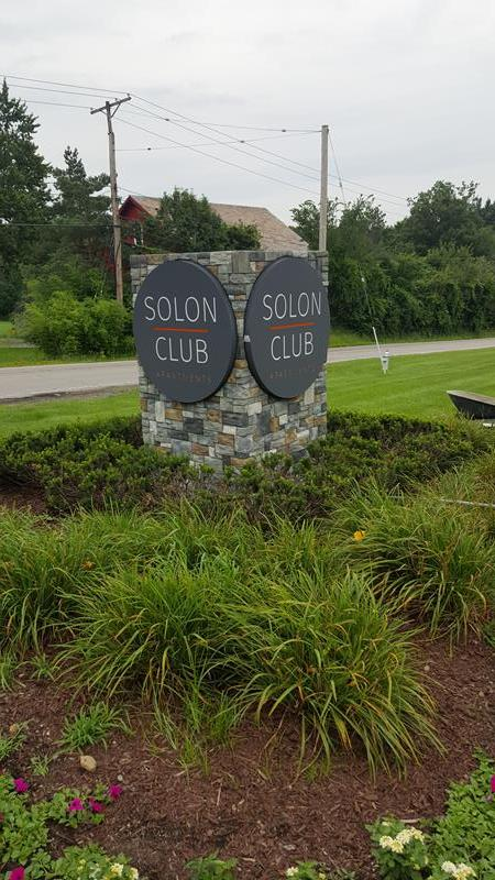 Solon Club Business Sign